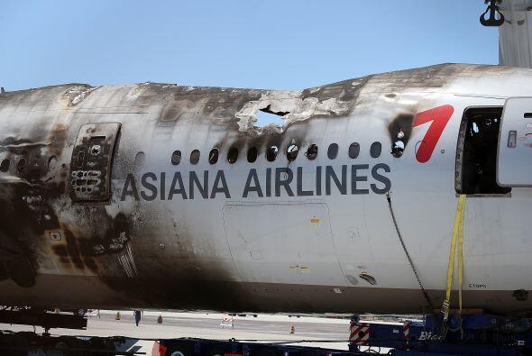 En las imágenes de los restos de la aeronave, se pueden ver de ce...