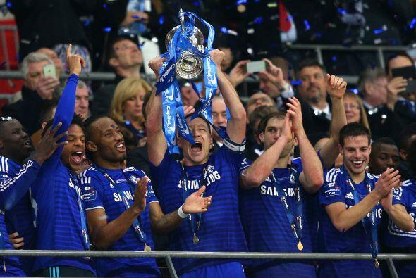 Con esta victoria el Chelsea sumó su quinto titulo de la Copa de la Liga...