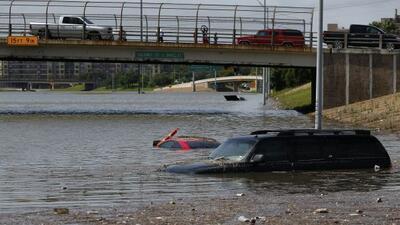Al menos 167 carreteras de los 254 condados del estado sufrieron algún t...