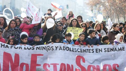 Marcha ciudadana en Santiago de Chile bajo la consigna #NoEstánSo...