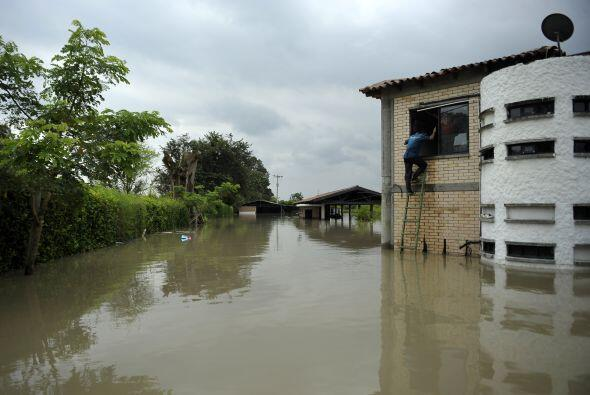 El deslave se produjo el jueves por la tarde en un caserío del municipio...