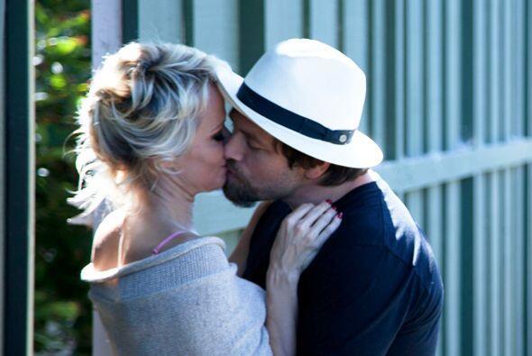 Pamela Anderson y Rick Salomon se dan una segunda oportunidad.Mira aquí...