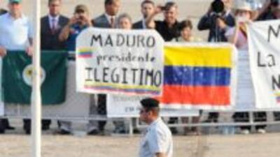 Maduro cumple un mes al mando de una Venezuela en crisis.