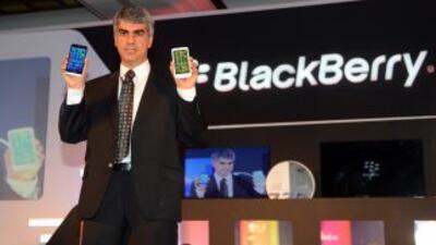El fabricante canadiense de teléfonos inteligentes BlackBerry cayó en nú...
