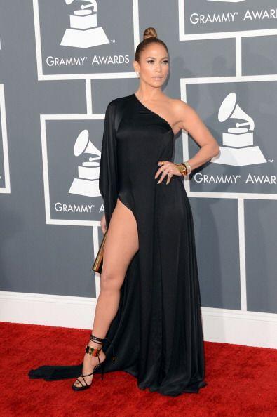 Jennifer Lopez es otra chica que trabaja arduamente sus piernas. Para ma...