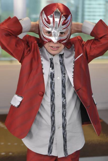 El pequeño aclaró que su máscara , aunque era parte de su personalidad,...