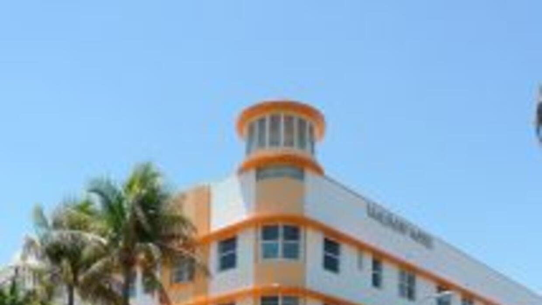 El hotel que ocupa el lugar de la antigua Waldorf Tower, se ubica en la...