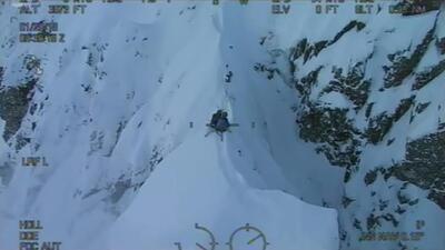 Así fue el peligroso rescate de dos esquiadores en una montaña de Escocia