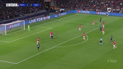 Zoet ahora salvó del tercero al PSV