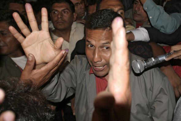 Humala, un general retirado creó polémica en las elecciones presidencial...
