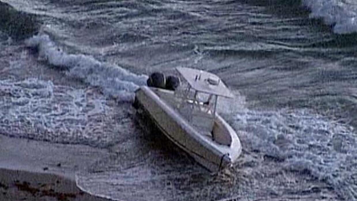 Embarcación robada en la que habrían llegado los 32 inmigrantes de Bermu...