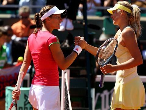 La rusa María Sharapova derrotó por 6-0 y 6-3 a la alemana...