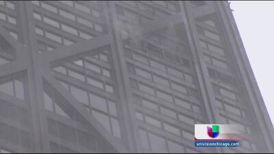Cinco heridos deja incendio en el edificio John Hancok