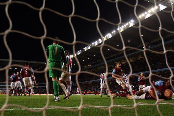 Los goles del Villa los marcaron Stewart Downing y Emile Heskey. Graeme...