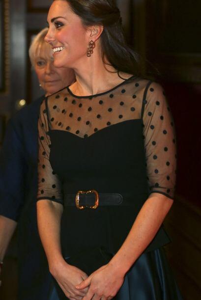 Y volviendo al embarazo de Kate Middleton, no cabe duda que éste la hace...