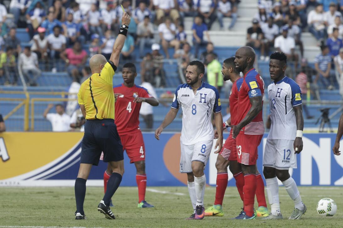 Panamá venció a Honduras en el duelo de técnicos colombianos AP_54821098...