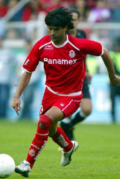 Cardozo participó como jugador entre 1995 y 2005, años en que las victor...