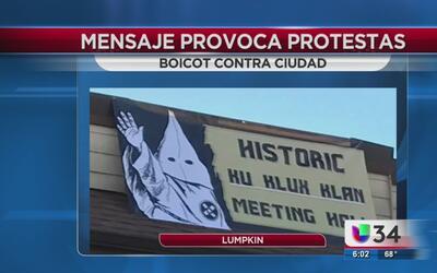 Boicot comercial contra tienda por mensaje racista