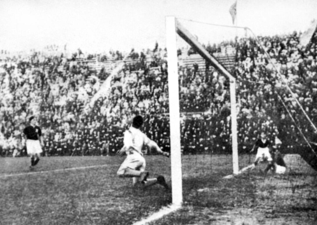 Historias del Mundial: cuando el fascismo impuso a su campeón  ap-340610...