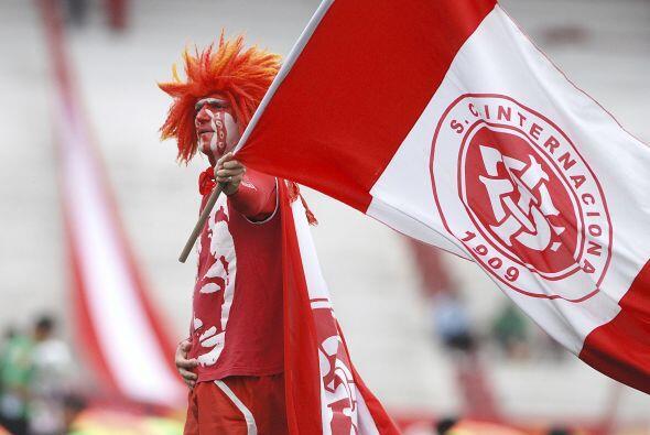 El hincha es fana del Inter de Porto Alegre, pero fana de verdad, como s...