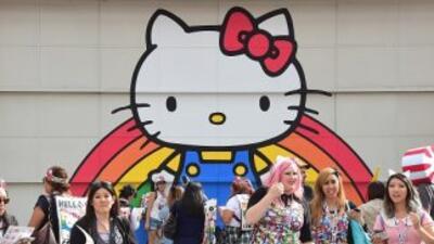 La famosa gatita cumpliócumplió 40 años y Los Ángeles inauguró una conv...