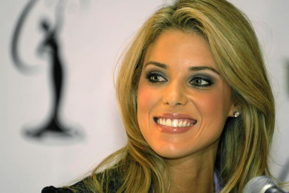Carrie Prejean fue Miss California 2009. En Miss USA Perez Hilton le pre...