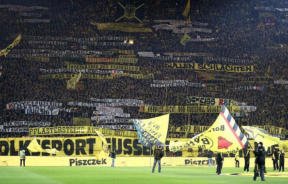 """Cuando """"La Muralla Amarilla"""" del Dortmund estalló en cólera 6.jpg"""