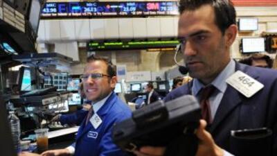 El Dow llegó a perder más de 500 puntos. En estos momentos registra un d...