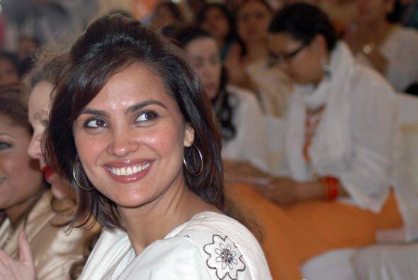 Otra que tuvo un romance con Derek fue la Miss Universo Lara Dutta,
