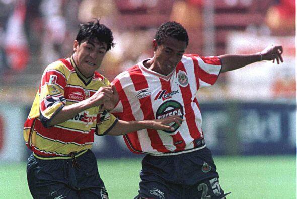 Edoardo Isella, el defensor surgió en Guadalajara equipo con el que duró...