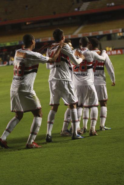 Trencito paulista. El Sao Paulo le ganó con lo justo al Figueirense y fe...