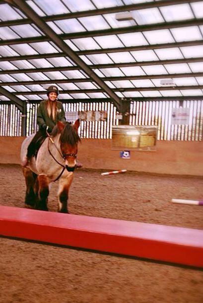 Katie adoraba estar en moviento, a los 16 años practicaba equitación.