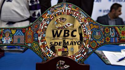 Presentan cinturón especial para pelea entre 'Canelo' y Chávez Jr.