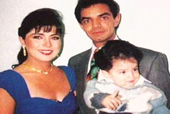 Su amor dio como fruto a José Eduardo Derbez, quien actualmente p...
