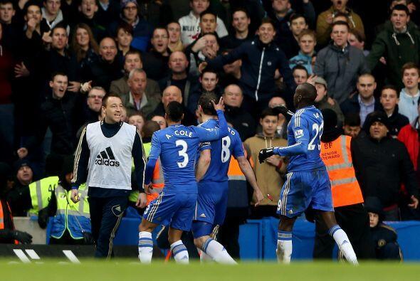Este duelo londinense vio su primer gol al minuto 19 con un gol de su ca...