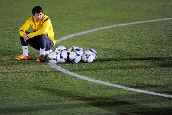 Ya después de algunos minutos, Lionel prefirió descansar un momento.