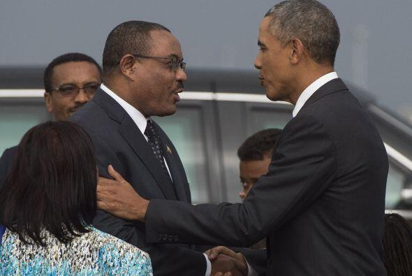 Obama saluda al primer ministro etíope Hailemariam Desalegn.