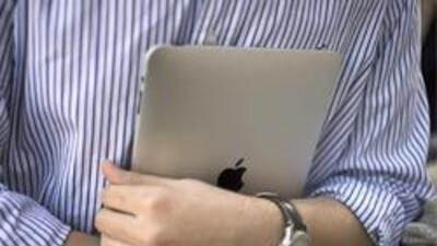 La iPad es ideal para los viajeros. No será tan revisada como las comput...
