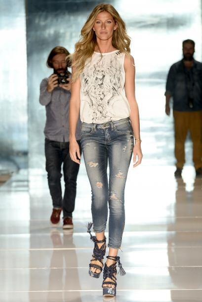 Gisele regresó a Brasil sólo para modelar en las pasarelas de esta marca.