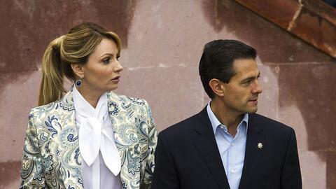 El presidente mexicano, Enrique Peña Nieto, y Angélica Riv...