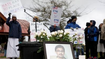 Hombre que mató a un inmigrante indio en un crimen de odio es sentenciado a tres cadenas perpetuas