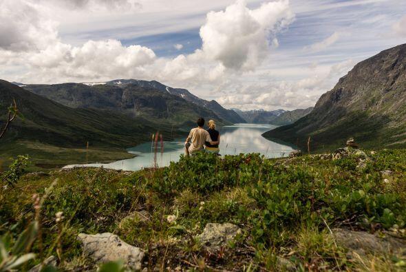 El lago Ringedalsvatnet Noruega fue el escenario perfecto para que Haral...