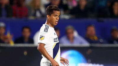 A pesar de que podría no jugar este fin de semana, Giovani dos Santos es...