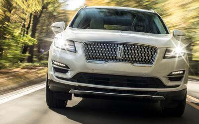 MKC 2017: Lincoln mejora su best-seller 19lincoln-mkc-11-hr.jpg