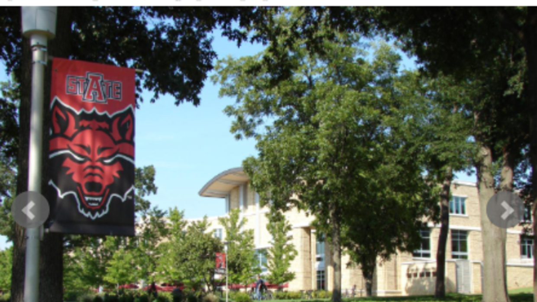 Arkansas State University reabre el campus tras informe de sujetos armad...
