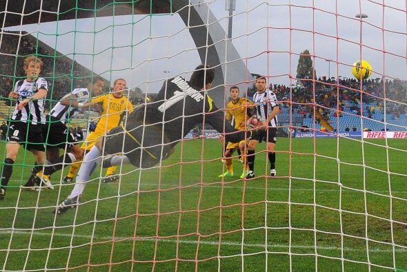 Prácticamente Udinese salió con un gol de 'vestidor' ya que al minuto 1...