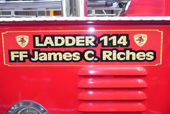 Carro bombero recuerda a sus caídos el 9/11 72a8e122bb8241caad2f4cbba64c...