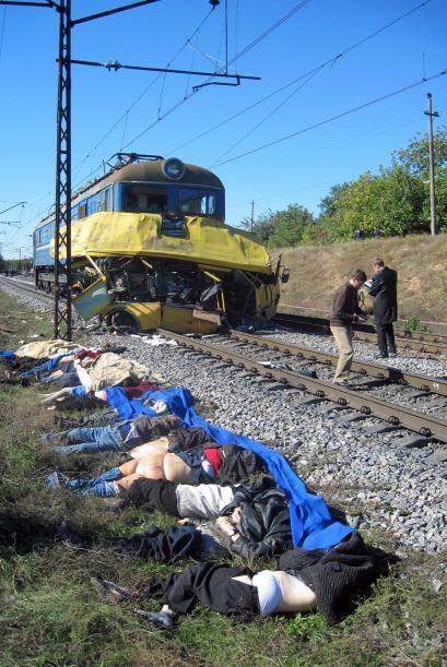 12 de octubre: Mueren 43 personas y 9 resultan heridas graves al colisio...