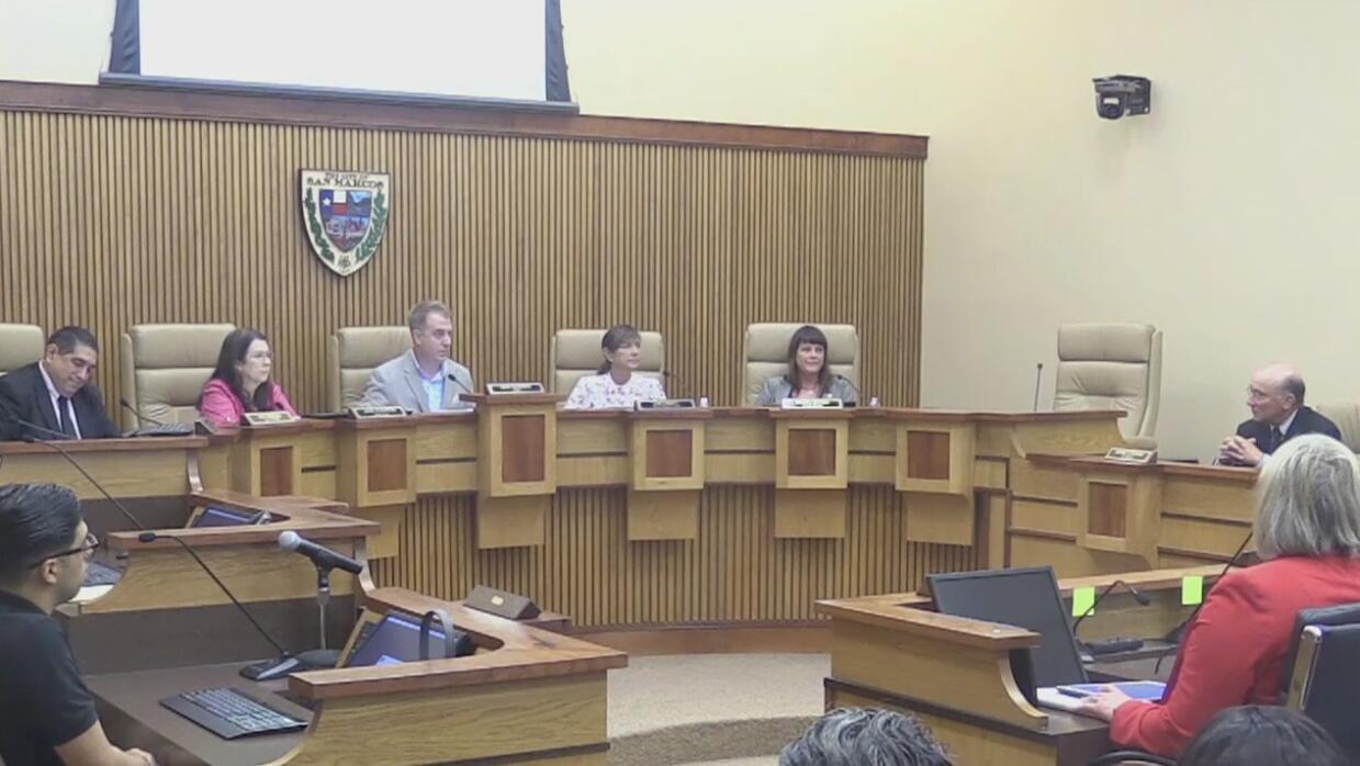 San Marcos discute nuevamente su postura legal en torno a la Ley SB4