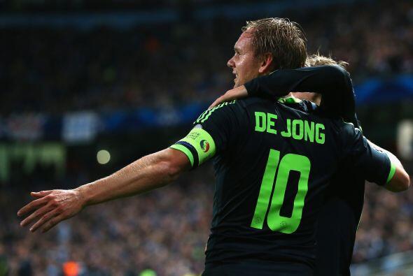 El propio De Jong aumentó la diferencia al 17', con un 0-2 que nadie hab...